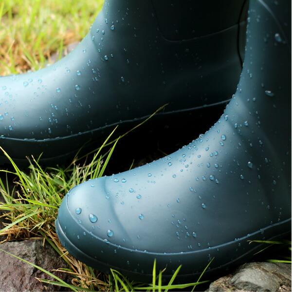 撥水性の高い天然ゴムを使用したレディース用のレインブーツ・長靴
