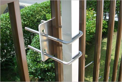 怎样安装阳台外晒晾衣架