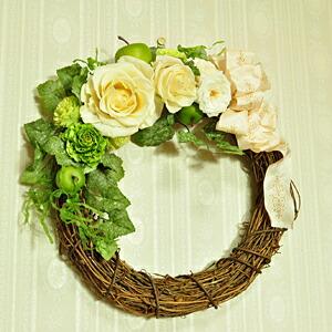 【リース・ホワイトローズ】プリザーブドフラワーのお店ムニュムニュ【Flower Munyu Munyu】
