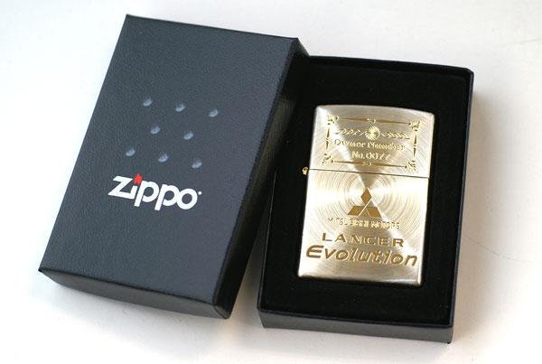 限定名车ZIPPO黄金ver.三菱枪骑兵进化