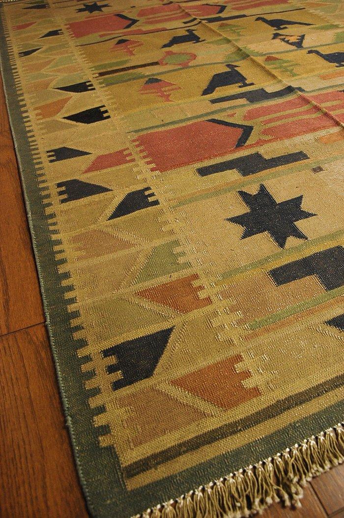 和达利的印度传统编织地毯.