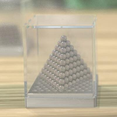 的三角形金字塔形状的