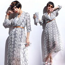 Cool snake pattern kashkul, three-quarter sleeves, elbow-length one-piece Python pattern maxiwanpeace inner with ◎ order today will ship 2/2