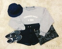 Trainer women's long sleeve round collar crew neck round neck logo print line sweat Romare room wearing tops casual ◎ order today will ship 3/9