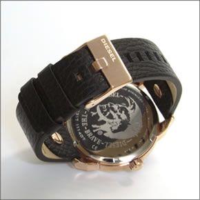 ディーゼル   腕元を主張する3Dインデックス。2Time表示のブレス・ウオッチ DZ7317