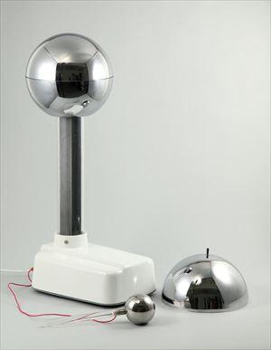 静電高圧発生装置(バンデグラーフ) 8951 P12Sep14