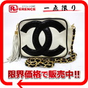 White X black by color 》 with the CHANEL leather CC pochette chain shoulder bag fringe for 《