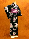 Tailoring up yukata (black)
