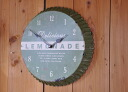 Wall clock of the form of the stopper of the drink that a lemonade clock wall clock is old