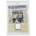 MLB Yankees Derek Jeter autographed autographed FLEER baseball card (Jersey Card With Sign)