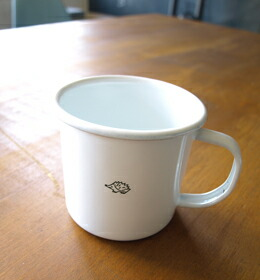 ホーローカップ