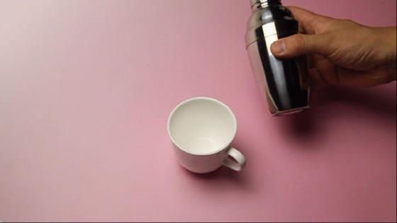 シェーカーを使ってアイスコーヒーを作りましょう