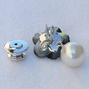 パール:ブローチ:真珠:ホワイトパール:南洋白蝶真珠:ホワイト系:直径10mm:黒蝶貝:花:花モチーフ:フラワー:フラワーモチーフ:SV:シルバー