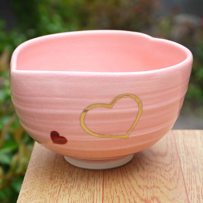 ハート型の茶碗