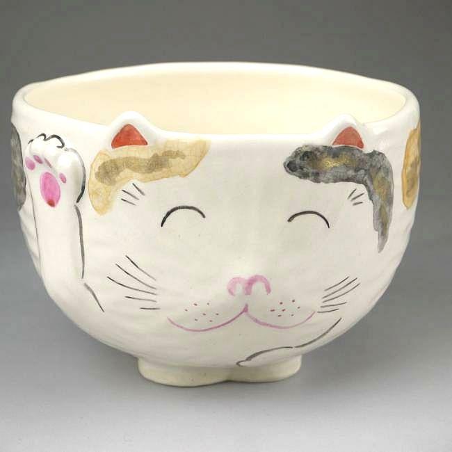 ねこ型の茶碗