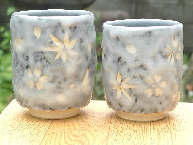 志野春秋夫婦湯飲み