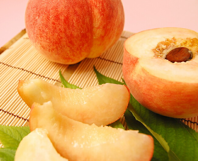 【お中元にぴったりの夏のフルーツギフト】旬の桃たっぷりのフルーツギフト