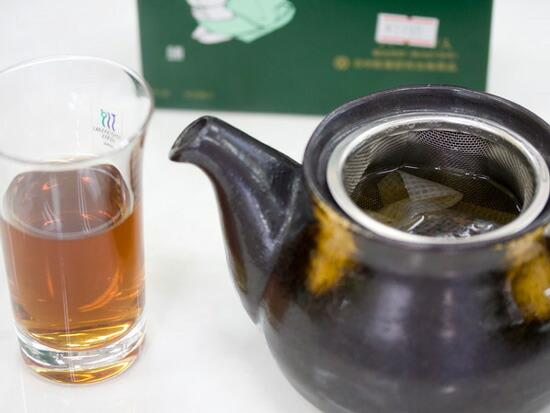 ゴールドサンテはと茶は急須に入れてホットでも美味しいです