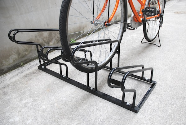 自転車の 自転車 駐輪 スタンド 4台 : 家庭用 自転車スタンド ( 4台用 ...