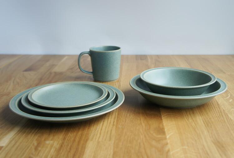 BreadandRice(パンとごはんと...)美濃焼山イ窯 セラドングリーンの陶器マグカップ 320ml菱沼未央さん