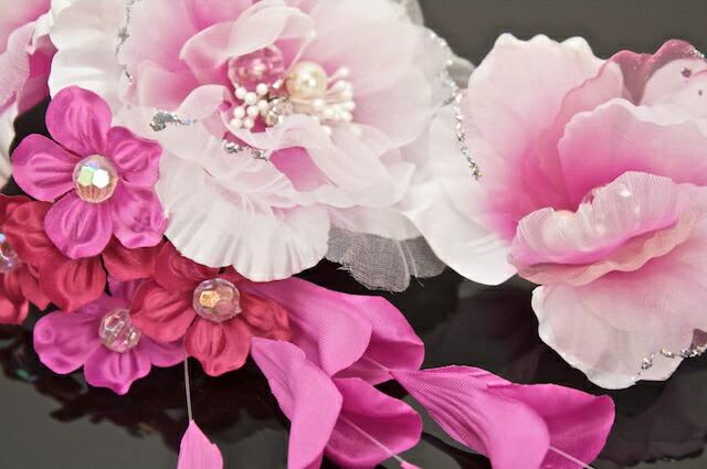髪飾り2点セット 花 ラインストーン パール ラメ オーガンジー 濃いピンク 成人式 振袖 卒業式 袴 結婚式 パーティー ドレス 婚礼 着物 髪留め ヘアアクセサリー
