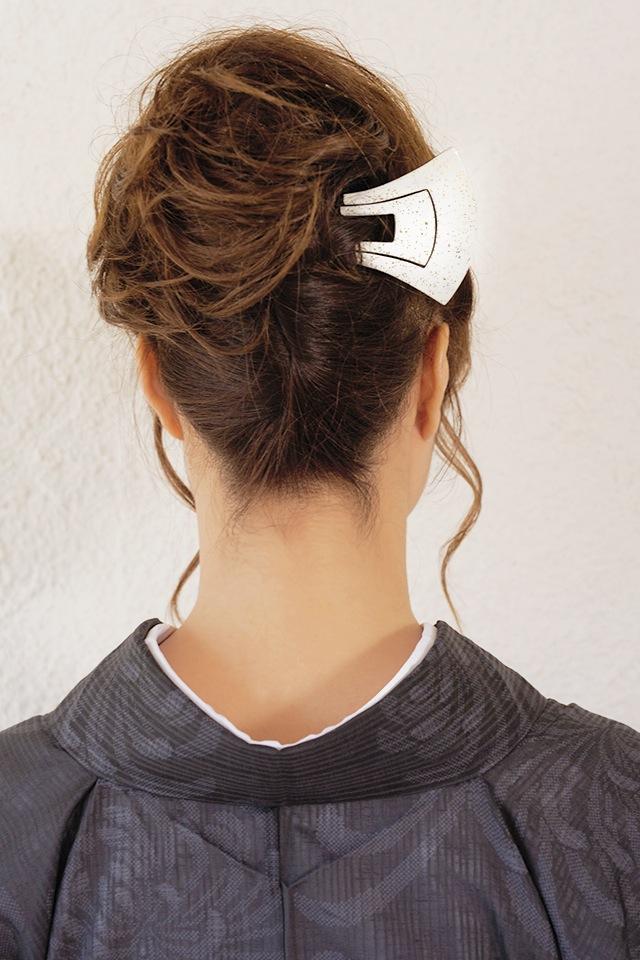 黒留袖や色留袖、訪問着などフォーマル場面におすすめな、簪