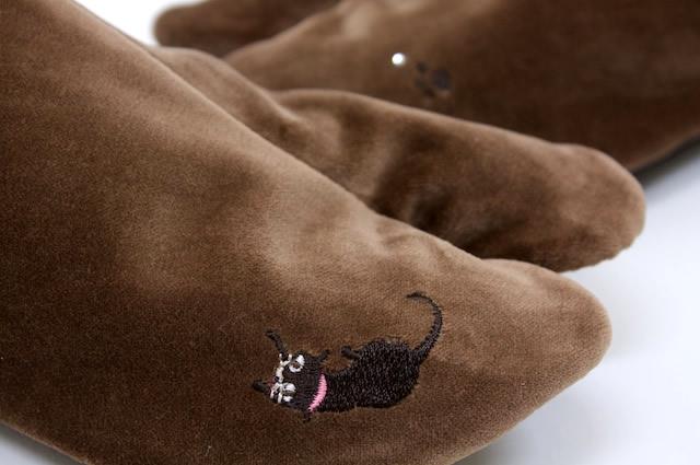 ブランド WA de Modern 別珍刺繍足袋 焦茶 黒猫 スワロフスキークリエーション使用 着物 和服 和装小物 日本製