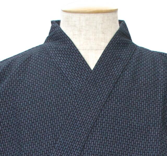 ルームウェアとして大人気な作務衣(モデル:イワゴウサトシさん)