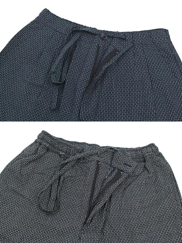 先染め素材のメンズ作務衣(モデル:イワゴウサトシさん)