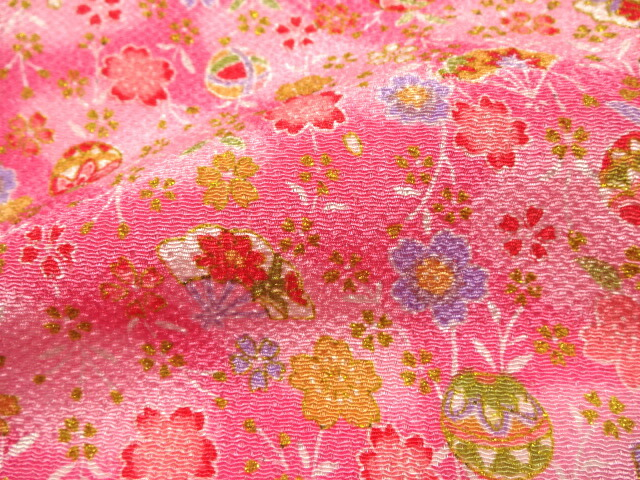 Crepe Fabric Uses Crepe Fabric Cloth Hung