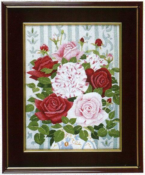 東京文化刺繍キット28「バラの花瓶」(3号)