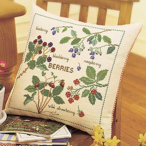 Olympusクロス刺繍キット5969「庭のベリー」 クッション40×40cm
