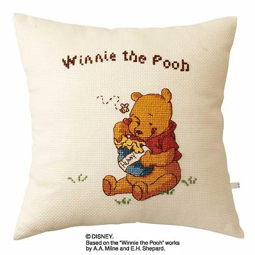 Olympusクロス刺繍キット6037「プーさん」 ディズニー クッション 40cm角 Winnie the Pooh