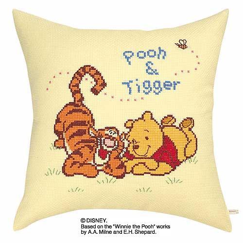 Olympusクロス刺繍キット6000「プーさんとティガー」 ディズニー クッション 40cm角 Winnie the Pooh
