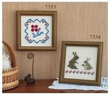 Embroidery Kit designed by Saori Obata. Olympusクロスステッチ刺繍キット 小幡小織のかわいいクロスステッチ・フレーム