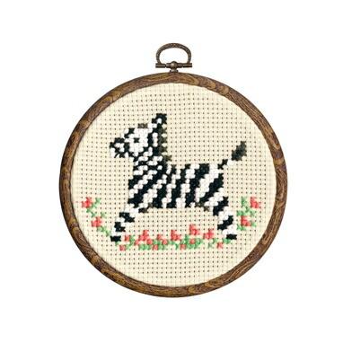 Olympusクロスステッチ刺繍キット7393 「シマウマ」 おしゃれフープ かわいい動物園シリーズ オリムパス 1日で完成! かんたんクロス・ステッチ 小さななかまたちシリーズ