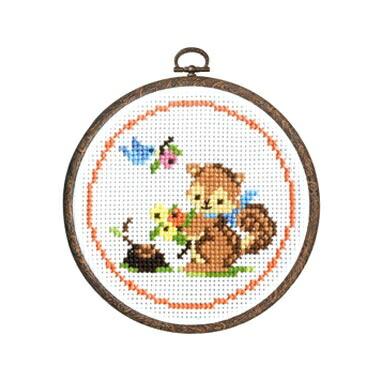 Olympusクロスステッチ刺繍キット7404「リスと木の実」 森のかわいいなかまたち Animal forest オリムパス