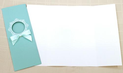 在苍白的颜色的装饰,是浪漫, 优雅的设计,带有花边的一个小窗口边框