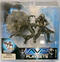 2 McFarlane toys AVP alien VS predator CELTIC PREDATOR THROWS ALIEN