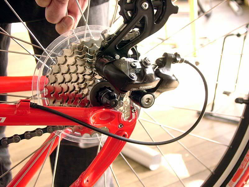 ... 車輪の脱着:自転車のトライ