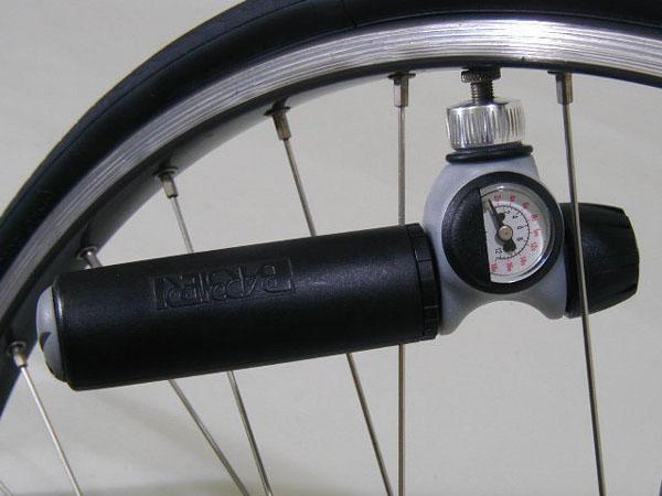 携帯ミニポンプ(自転車用空気 ...