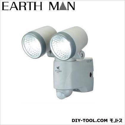 乾電池式LEDセンサーライト ダブル 135×155×180(mm)※本体 (SLT-110)