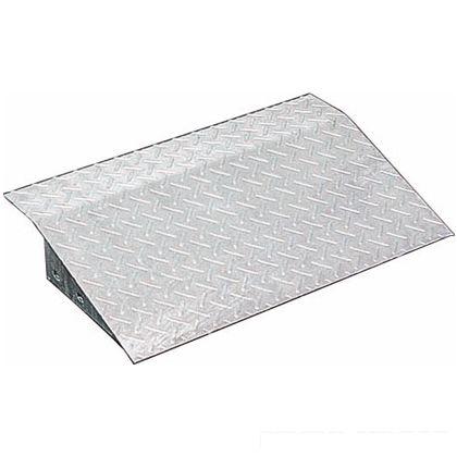 スチール製 縞鋼板段差プレート(溶融亜鉛めっき仕上げ)  W300×L600×板厚6mm JKD-D6 10×6