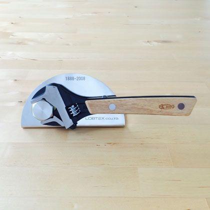 木柄モンキーレンチ 台座・木製専用ケース付き