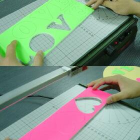 紙に書いたものを切らずに直接貼り付け!