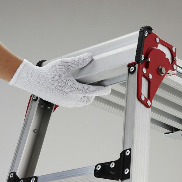 伸縮式天板・ 伸縮脚付足場台