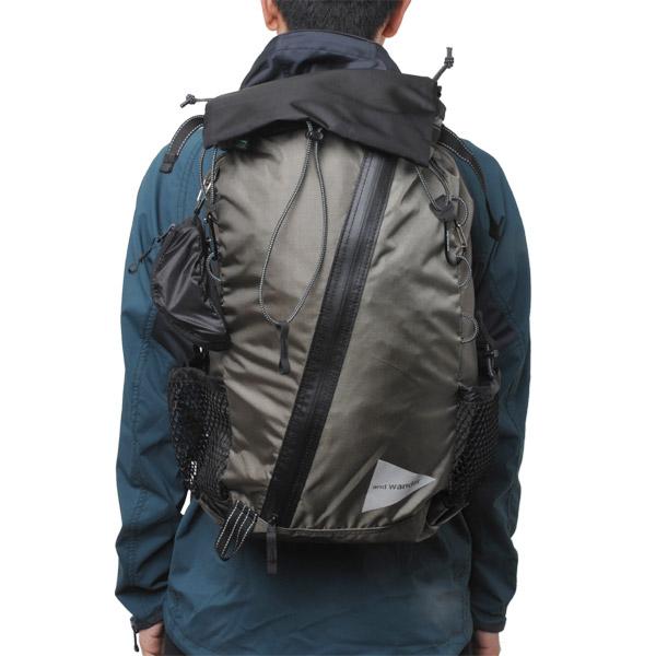 and wander 30L backpack khaki