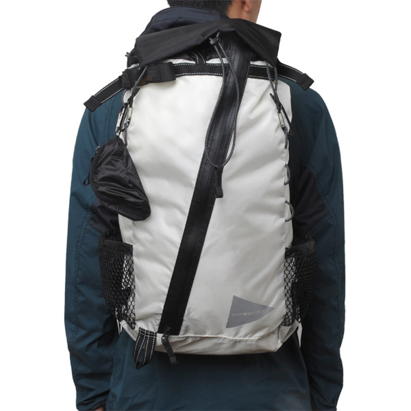 and wander 30L backpack white
