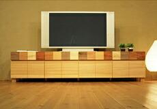 楽しい雰囲気のテレビボード