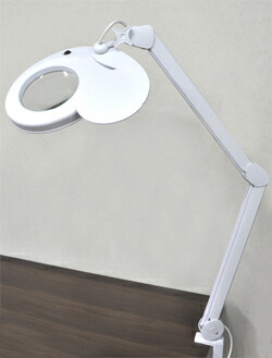デスクライト LED ルーペ ライト付き 拡大鏡 ルーペ付き アーム 電気スタンド LEDライト 目に優しい スタンドルーペ 虫眼鏡 老眼鏡 照明 手芸 読書灯 ネイル ネイルアート ミシン プラモデル フィギュア 刺繍 腕時計 修理 ランプ